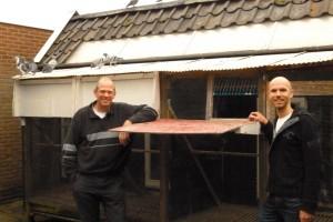 Piet en Dirk Jan voor het hok